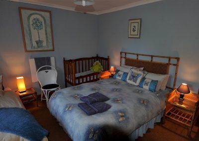 D.L. BLUE ROOM