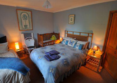 D.L. BLUE ROOM (2)